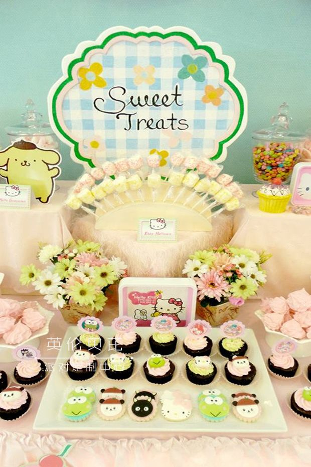 甜点都很可爱,有hellokitty,我的melody,kerokereroppi,还有其他来自s