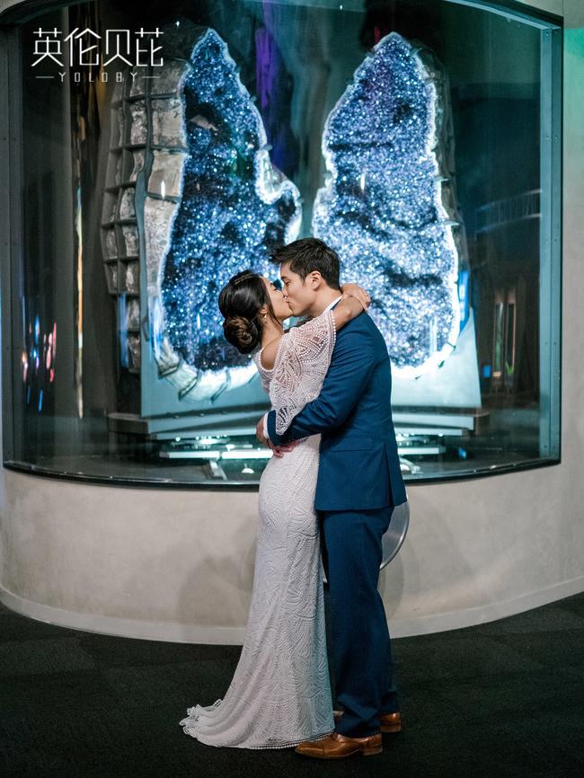 博物馆里的一场蓝色婚礼