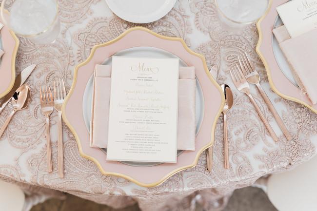 梦幻湖畔婚礼策划