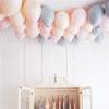 柔和的粉红色鸟类巡游主题女孩4岁生日派对