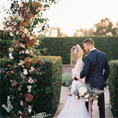 粉色现代简约户外婚礼